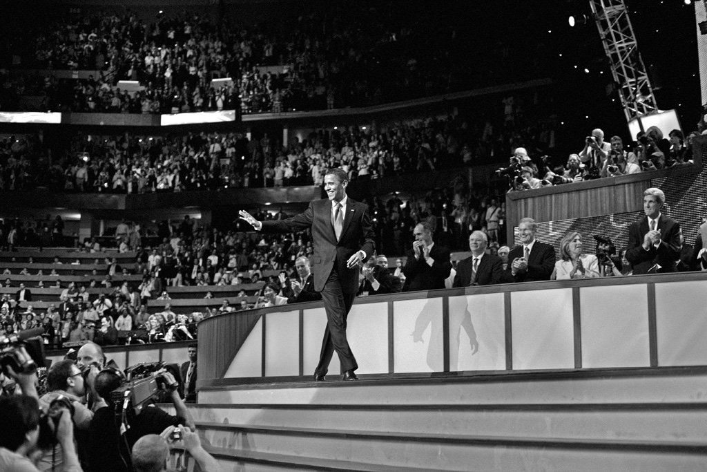An image of Obama looking very Sinatra-esqe at the DNC. © Alan Chin