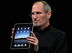 steve_jobs_iPad_apple
